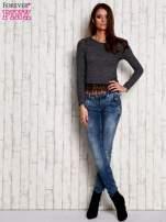 Melanżowa bluzka z koronkowym wykończeniem szara                                  zdj.                                  2