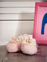 Miękkie buciki dziewczęce z ozdobnymi kwiatami jasnoróżowe                                  zdj.                                  4