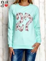 Miętowa bluza z cyfrą 27