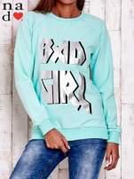 Miętowa bluza z napisem BAD GIRL                                  zdj.                                  1