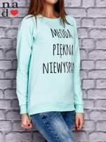 Miętowa bluza z napisem MŁODA PIĘKNA NIEWYSPANA                                  zdj.                                  4