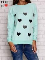 Miętowa bluza z serduszkami
