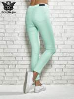 Miętowe spodnie rurki skinny                                  zdj.                                  3