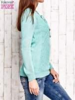 Miętowy dzianinowy sweter z wiązaniem                                  zdj.                                  4