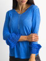 Niebieska bluzka z koronkowymi rękawami                                  zdj.                                  5