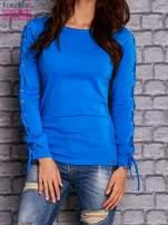 Niebieska bluzka z wiązaniem na rękawach                                  zdj.                                  1