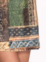Niebieska mini sukienka w patchworkowy wzór