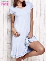 Niebieska sukienka dresowa z ozdobną falbaną                                  zdj.                                  1
