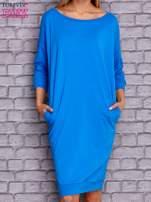 Niebieska sukienka oversize ze ściągaczem                                  zdj.                                  1