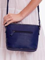 Niebieska torebka listonoszka z plecioną wstawką                                  zdj.                                  4