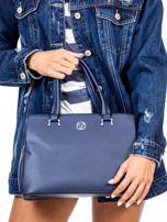 Niebieska trapezowa torebka kuferek do ręki                                  zdj.                                  2