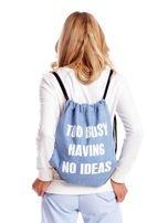 Niebieski denimowy plecak worek z napisem                                  zdj.                                  1