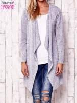 Niebieski sweter z ciemniejszą nitką                                   zdj.                                  1