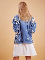 Niebieskie jeansowa kurtka z przedarciami                                   zdj.                                  2