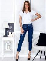 Niebieskie proste spodnie z perełkami                                  zdj.                                  4