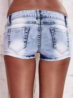 Niebieskie szorty jeansowe z dżetami                                  zdj.                                  2