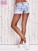 Niebieskie szorty jeansowe z haftem                                  zdj.                                  4