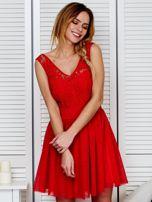 Plisowana sukienka z koronkową górą czerwona                                  zdj.                                  1