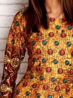 Pomarańczowa sukienka z folkowym nadrukiem                                                                          zdj.                                                                         5