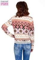 Różowa bluza w azteckie wzory z gipiurą                                  zdj.                                  4