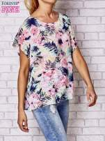 Różowa bluzka koszulowa z motywem exotic print                                  zdj.                                  1