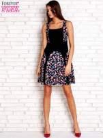 Różowa sukienka z kwiatowymi wstawkami i kwadratowym dekoltem                                  zdj.                                  4