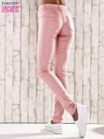 Różowe spodnie skinny jeans z wyższym stanem                                  zdj.                                  2
