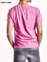 Różowy t-shirt męski z trójkątnym dekoltem Funk n Soul                                                                          zdj.                                                                         6