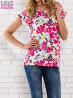 Różowy t-shirt z kwiatowym wzorem                                  zdj.                                  1