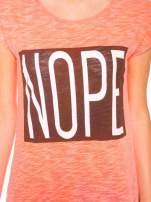 Różowy t-shirt z nadrukiem NOPE                                                                          zdj.                                                                         7