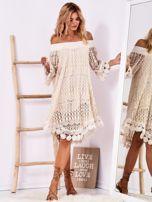 Beżowa koronkowa sukienka z hiszpańskim dekoltem                                  zdj.                                  4