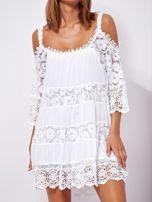 SCANDEZZA Biała trapezowa sukienka koronkowa mini                                  zdj.                                  5
