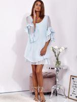 SCANDEZZA Jasnoniebieska zwiewna sukienka z hiszpańskimi rękawami                                  zdj.                                  4