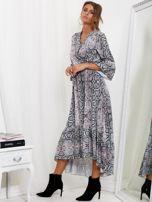 SCANDEZZA Szaro-różowa sukienka maxi z nadrukiem snake skin                                  zdj.                                  3