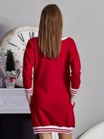 Sukienka V-neck z napisem czerwona                                  zdj.                                  2