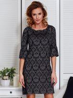 Sukienka ciemnoszara w ornamentowe wzory                                  zdj.                                  1