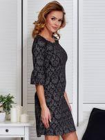 Sukienka ciemnoszara w ornamentowe wzory                                  zdj.                                  3