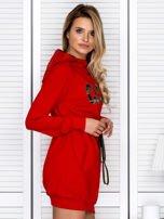 Sukienka damska dresowa z napisem COCO czerwona                                  zdj.                                  3