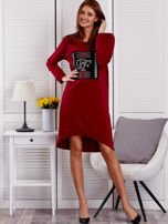 Sukienka damska dzienna z ozdobnymi literami bordowa                                  zdj.                                  4