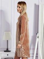 Sukienka damska welurowa z kieszeniami beżowa                                  zdj.                                  5
