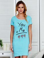 Sukienka jasnoniebieska bawełniana z miłosnym nadrukiem                                  zdj.                                  1