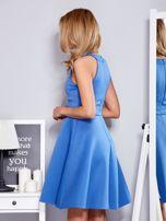 Sukienka niebieska z rozkloszowanym dołem                                  zdj.                                  5