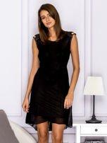 Sukienka w kratkę ze skórzanymi wstawkami czarna                                  zdj.                                  1