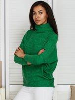 Sweter zielony z miękkim kołnierzem                                  zdj.                                  3