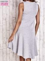Szara asymetryczna sukienka z falbaną                                  zdj.                                  2