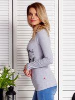 Szara bluzka damska z dziewczęcym fotoprintem                                  zdj.                                  5