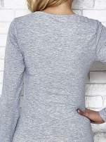 Szara bluzka sportowa z dekoltem U                                  zdj.                                  11