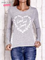 Szara bluzka w paski z napisem LOVE AND SWAG                                                                          zdj.                                                                         1