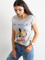 Szara koszulka z kolorowym nadrukiem                                  zdj.                                  3