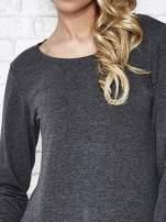 Szara melanżowa bluzka sportowa z dekoltem U PLUS SIZE